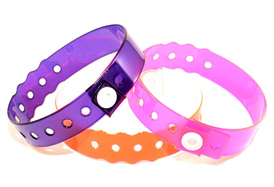 V035010022B0500 - Vinyl Edge Glow Wristbands